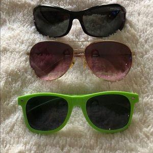 3 pairs of sunglasses 😎